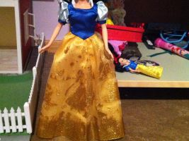 View of the dress of my first Snow White Doll by SweetHea