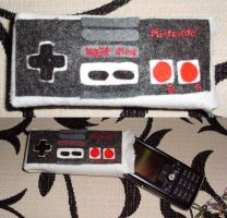 NES controller for phone by KimmiJe