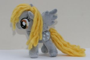 Derpy Hooves by DraglaPlushies