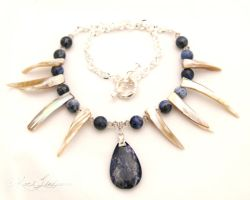 Pearl Spear Necklace by Entophile