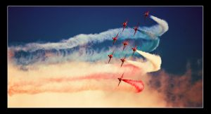 Red Arrows Kemble 02 by cocker666