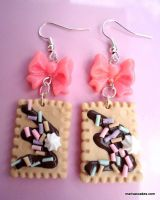 Biscuit earrings by PinkCakes