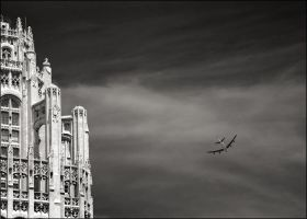 Flying over Chicago by aponom