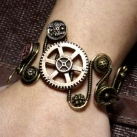 Steampunk Bracelet Gear 3 by CatherinetteRings