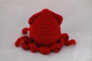 Red Squid by theyarnbunny
