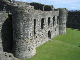 None shall pass (Beaumaris Castle) by Syltorian