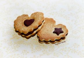 Chocolate Filled Heart Cookies by TangerineTaiyaki