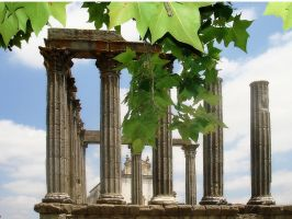 Roman ruin in Evora by lailalta