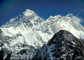 Mount Everest by MountainTigers
