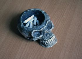 ashtray by citrics
