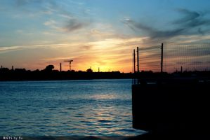 sunset near harbour by rencee