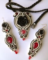 soutache jewelry set of earrings and pendant by caricatalia
