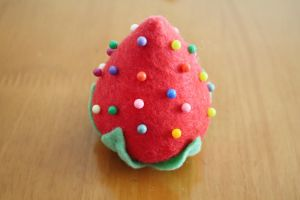 Giant Strawberry Pin Cushion by li-sa