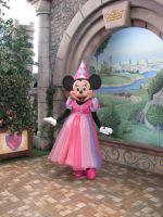 Princess Minnie by DisneyLizzi