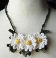 Crochet Daisies Necklace 2 by meekssandygirl