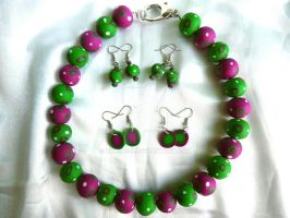 Purple and green set by Bilongui