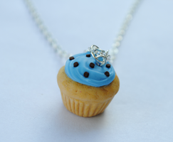 Vanilla Cupcake with Blue Frosting Necklace by ClayRunway