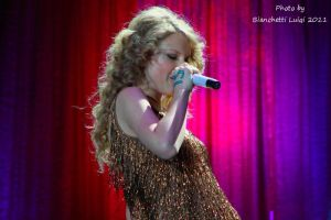Taylor Swift Live Milano 5 by luis75