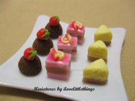 Miniature Assorted Cakes by ilovelittlethings