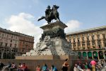 Piazza statue 1, Milan by wildplaces