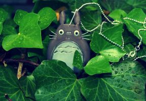 Totoro in the forest by aszoka