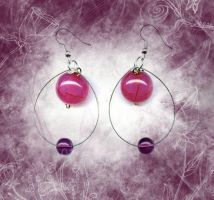 pink and purple balls by DesignsGP