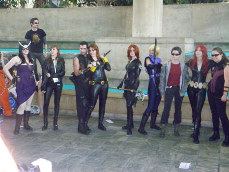 Otakon 2012 - Hawkeyes and Black Widows by mugiwaraJM