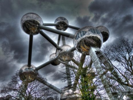Atomium by liverpool67