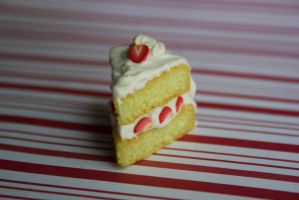 polymer clay strawberry cake by l337Jacqui