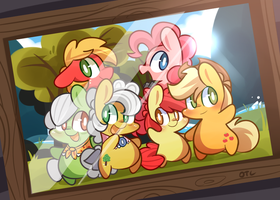 Apple family by MACKINN7