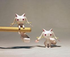 Kyubey Papercraft by einohpmys