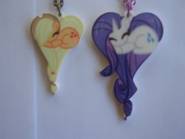 close up AJ/Rarity Hearts by FangtheFluffy