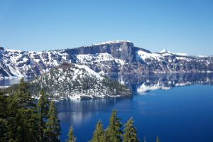Crater Lake by makobsan