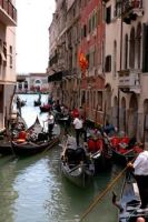 Gondoliers at noon by tumkosit
