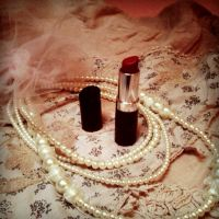 Lipstick and Pearls by grudvica