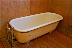 Into the claw foot tub by paintresseye
