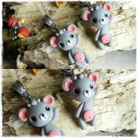Kawaii Mouse necklace by oOMetalbrideOo