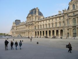 The Louvre by mike19