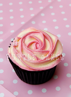 Rose Cupcake by Vixxybo