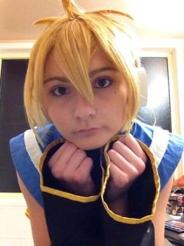 len kagamine : Twincosplay by lilly10baby