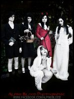 living dead dolls series one by F-R-E-D-D-Y-fashions