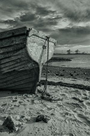 old boat at Teesmouth by steveearl