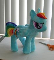 Medium Rainbow Dash plush by Bladespark