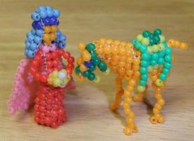 Beaded king and camel by Anabiyeni