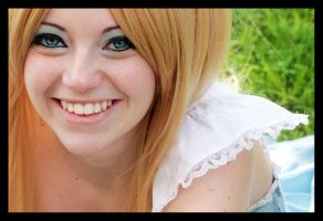 Alice Smiles by AliceCosplay