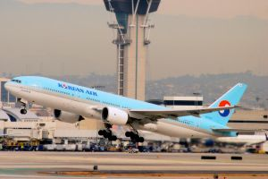 LAX 09 Korean Air 777 by Atmosphotography