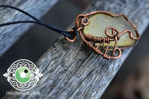Steampunk Wire Pendand by eeeweeelin