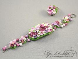 flower bracelet by polyflowers