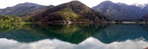 Lake Idro by sheiruki