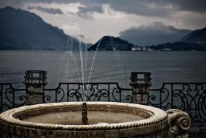 Lake Como Fountain by themobius
